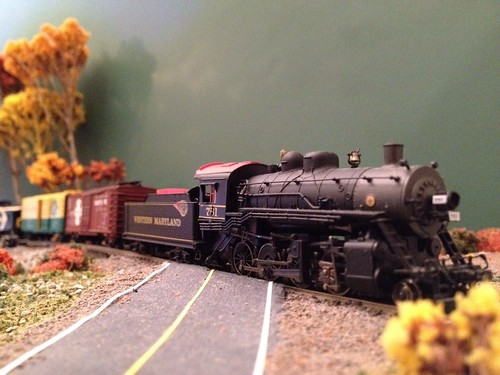 WM761 pulls a short freight by BGTwinDad