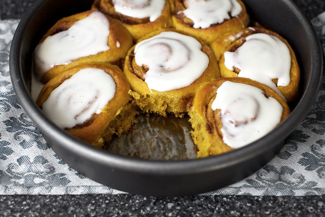 pumpkin cinnamon rolls, minutes later