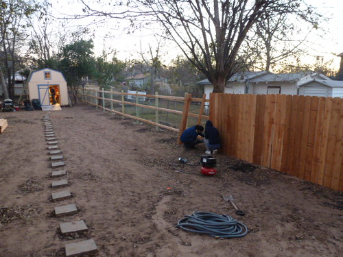 12-12-12 TX - Austin, Backyard Fence 1