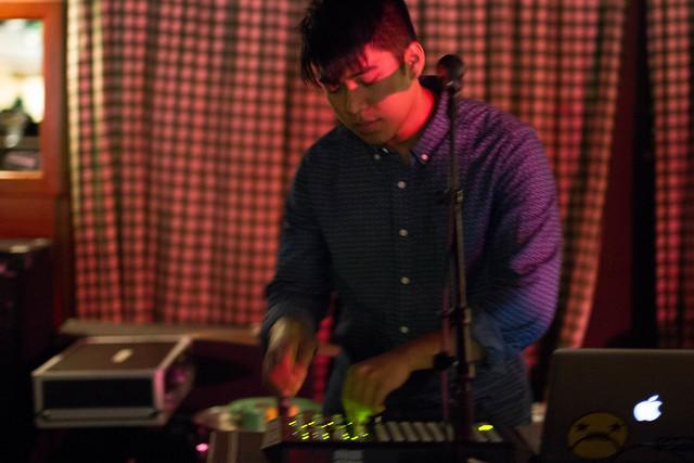 blackbirdblackbird_pianos_CMJ2012-7816