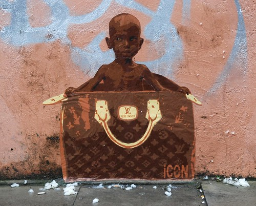 Graffiti (iCON), Shoreditch, London, England.