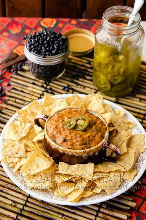 Pepperjack shreds, seasoned soyrizo and jalapeño peppers kick this Cheezy Soyrizo Bean Dip up a few notches! It a perfectly addictive appetizer.