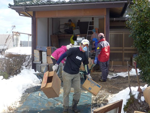 "2013年 災害ボランティアはじめ(南相馬市小高区, 援人) Volunteer work at Minamisoma city, Fukushima pref. (Volunteer team ""Engine"")"