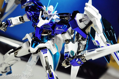 ANA 00 Raiser Gundam HG 1-144 G30th Limited Kit OOTB Unboxing Review (58)