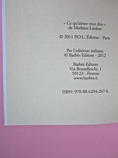 Mathieu Lindon, Cosa vuol dire amare; Barbès 2012. [resp. grafica non indicata]; fotog.: A. Robbe-Grillet, C. Simon, C. Mauriac, J. Lindon, R. Pinget, S. Beckett, N. Sarraute, C. Ollier, 1959 © M. Dondero. Colophon (part.), 1