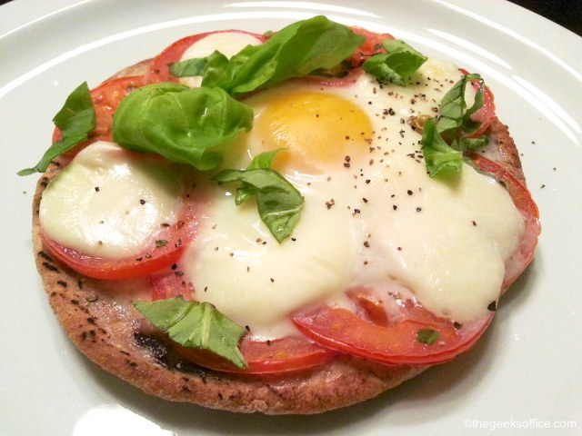 Healthy Breakfast Pizza by Karo