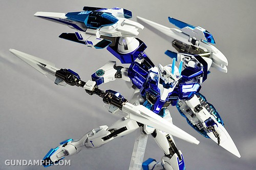 ANA 00 Raiser Gundam HG 1-144 G30th Limited Kit OOTB Unboxing Review (81)