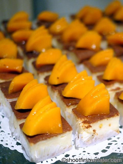 Bizu Private Caterer- mango chiboust