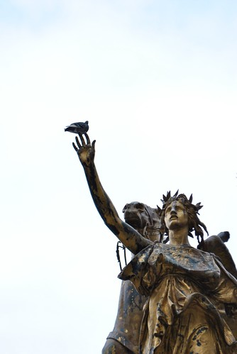 Grand Army Plaza - Reach out and touch the pigeon