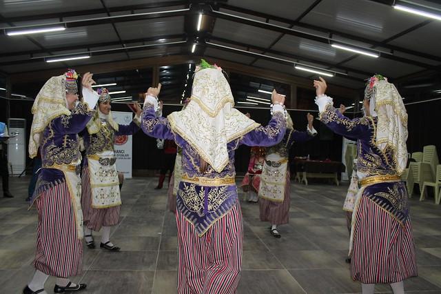 Women's wedding dance