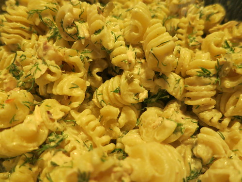 Tuna and dill radiatori pasta salad