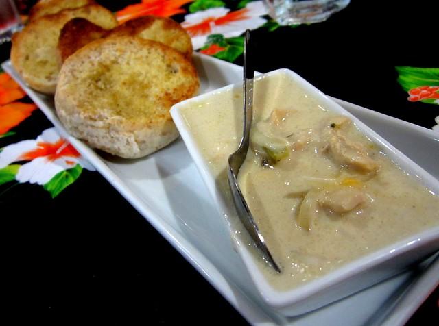 Garlic bread with chicken sauce