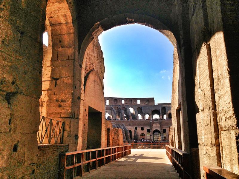 ColosseumWalksOfItaly-23