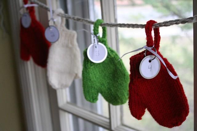 knitted :: Smitten Advent Garland