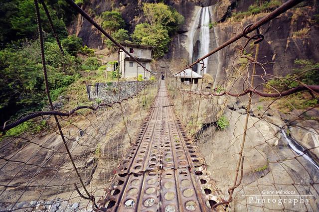 Colorado Falls   Hanging Bridge