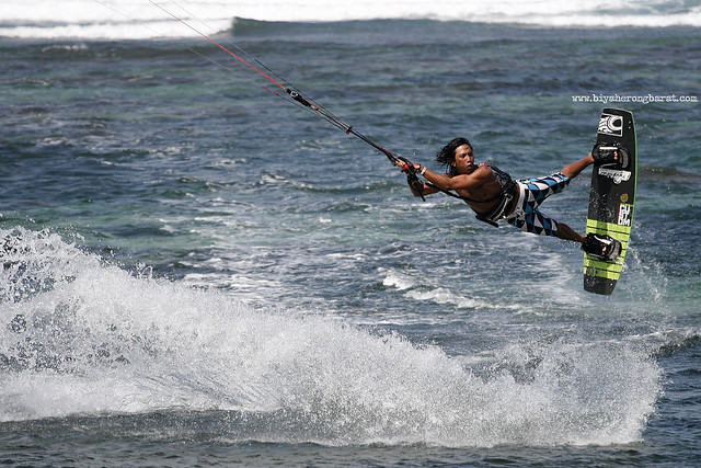 Kite surfing in Kingfisher Resort Pagudpud Ilocos Norte