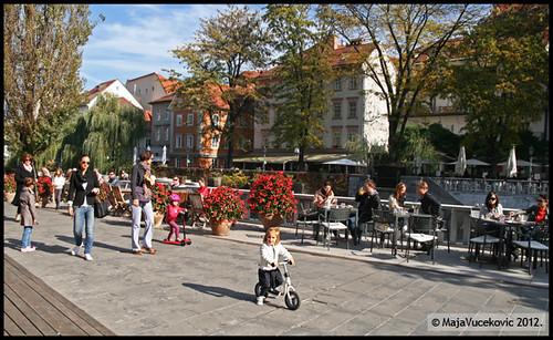 Ljubljana - nedeljom pored reke