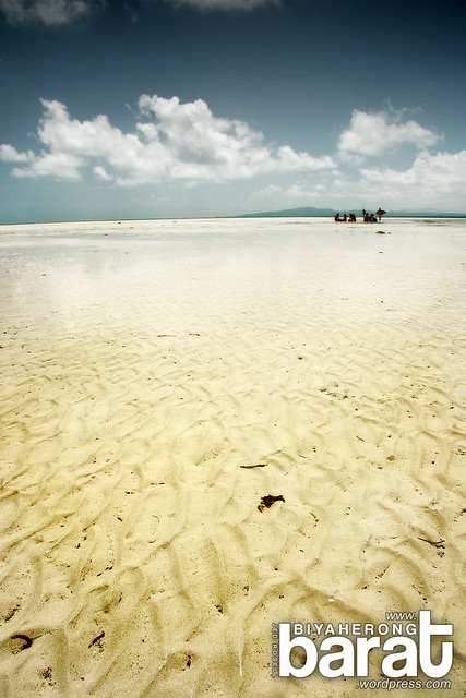 sand bar in cagbalete island quezon