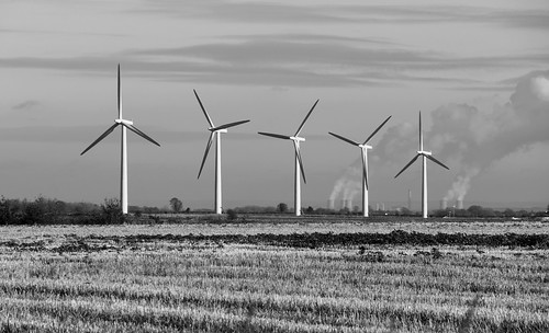 Wind Turbines near Swindon by TempusVolat