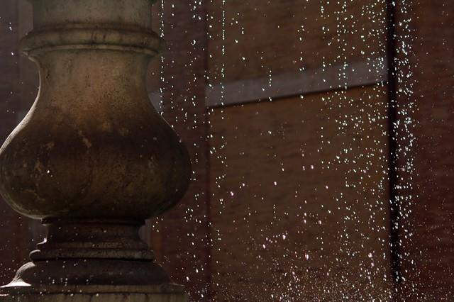 piazza della madonna dei Monti: particolare della fontana