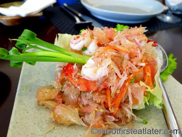 Yum Som O (pomelo salad) P380