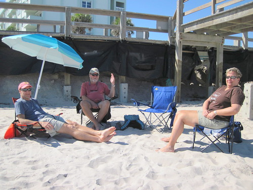 Relaxing on the beach with Rick and Eva