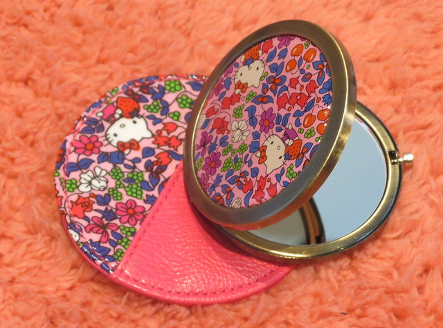 Hello Kitty Liberty Art Fabrics Mirror & Pouch