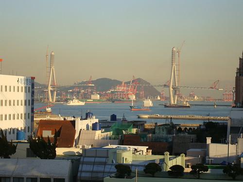 Busan Hafenbrücke by Jens-Olaf
