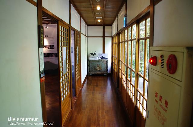 吃飽了要來去參觀,經過這美麗的日式走廊。