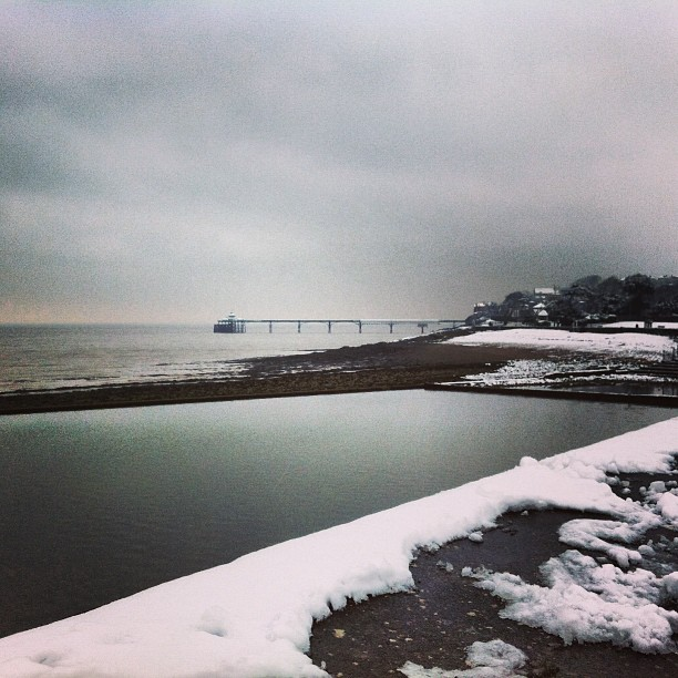 #clevedon #pier #snow #winter #cold #sea #water #instagram #photography