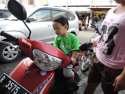 Papa, Can i have it ? by adi pratama 001
