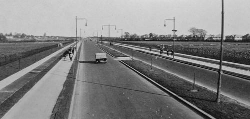 Chertsey Road, Twickenham, c.1930?