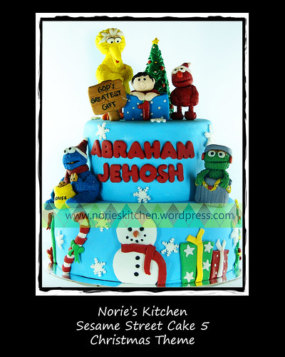 Norie's Kitchen - Sesame Street Cake 5 - Christmas Theme by Norie's Kitchen