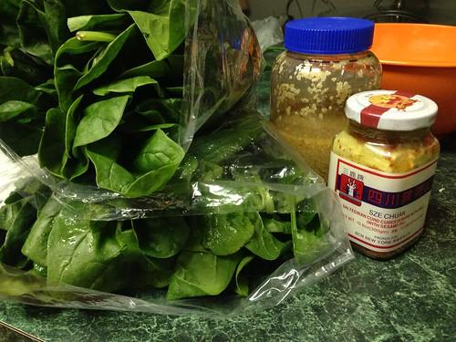Rau Muong Xao Toi Voi Chao ingredients
