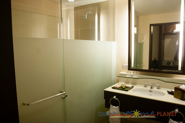 Taal Vista Hotel-5.jpg