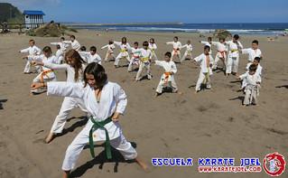 Karate en la playa