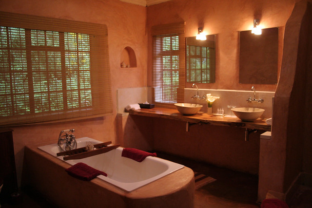 bathroom at Sabyinyo