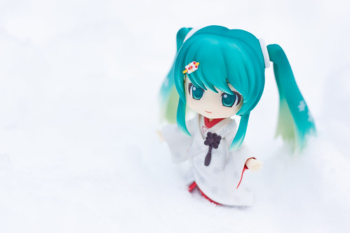 Snow Miku: Strawberry white kimono version