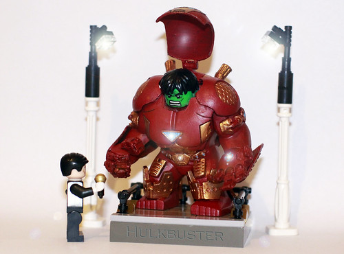 Lego HULK BUSTER - Body Function