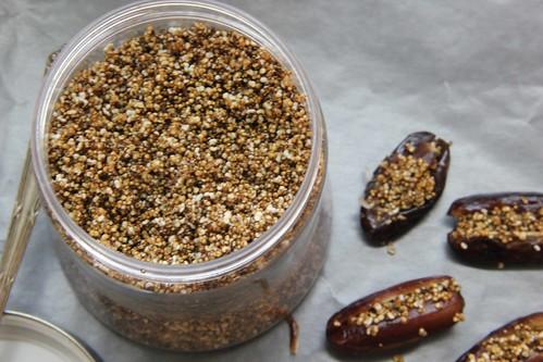 Amaranth puffed crunchy topping