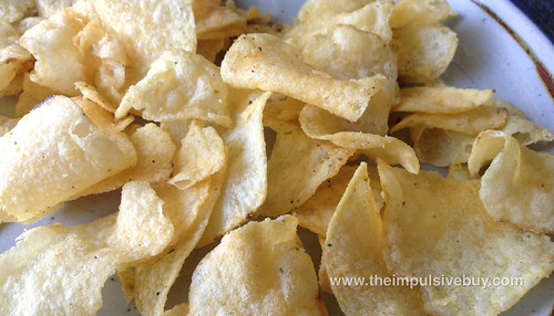 Lay's Do Us a Flavor Finalist Cheesy Garlic Bread Potato Chips Closeup