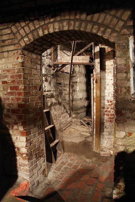Tellers Cage, Seattle Underground Tour