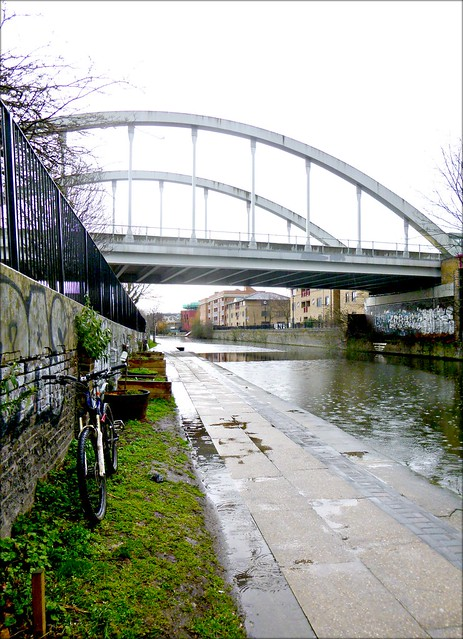Regents canal in the rain,looking east.