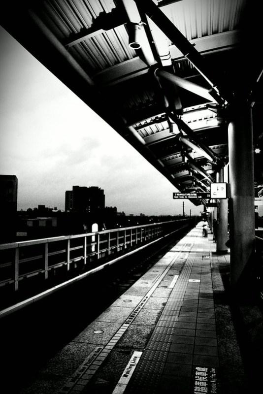 Triangle 都會公園站 by 威典 李