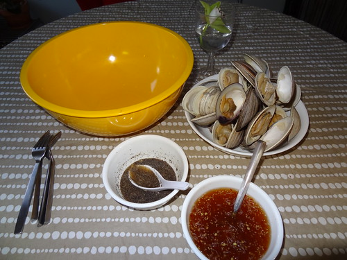 Clams and dipping sauces
