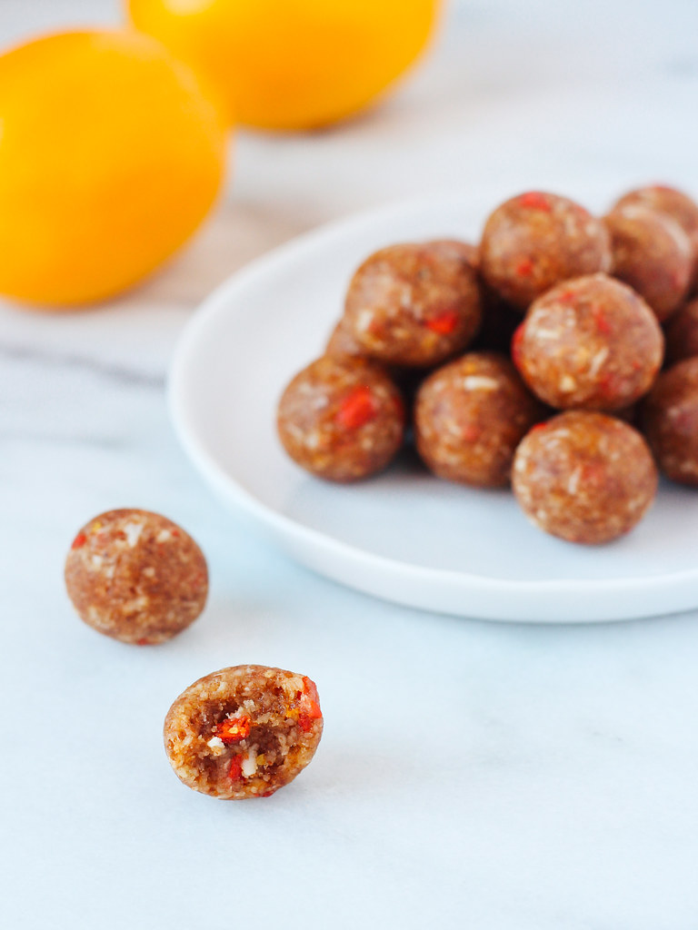 Raw lemon goji berry bites