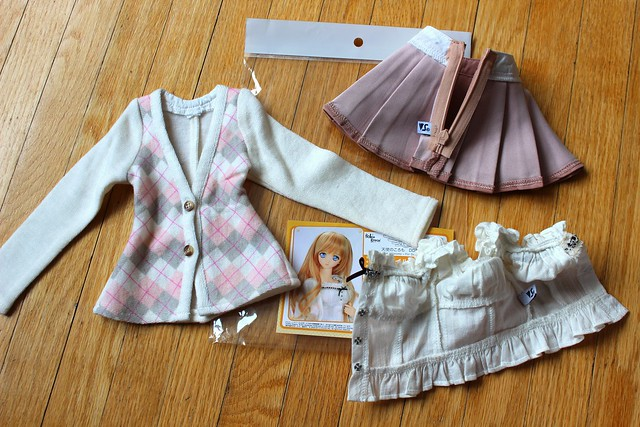 Volks Argyle Cardigan set