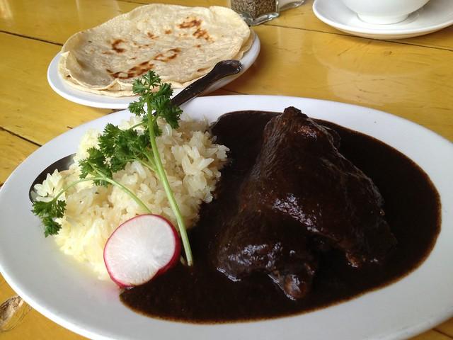 Mole negro oaxoqueno - La Carta de Oaxaca