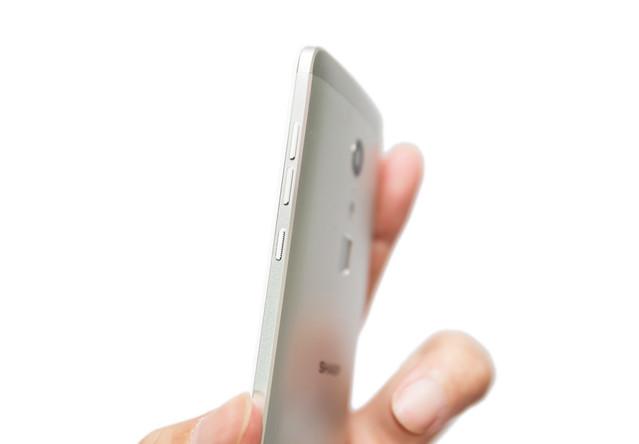 抓寶這台就足夠!十核新抓寶神機 Sharp Z2、遊戲快、金屬機、還有 4G+3G 雙待機! @3C 達人廖阿輝