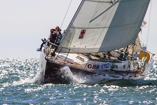 Round the Island yacht race 2013